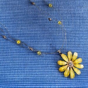 Jewelry - Necklace - Yellow Daisy Pendant on beaded wires.